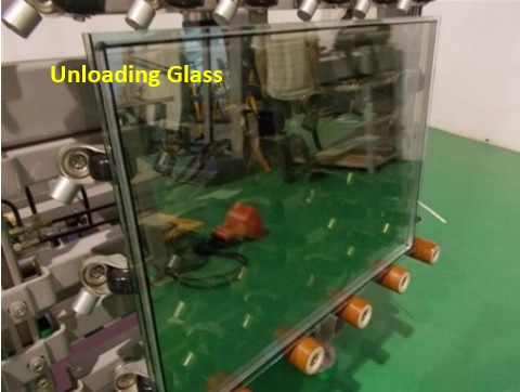 13-Unloading Glass from machine